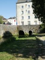A Moulin..